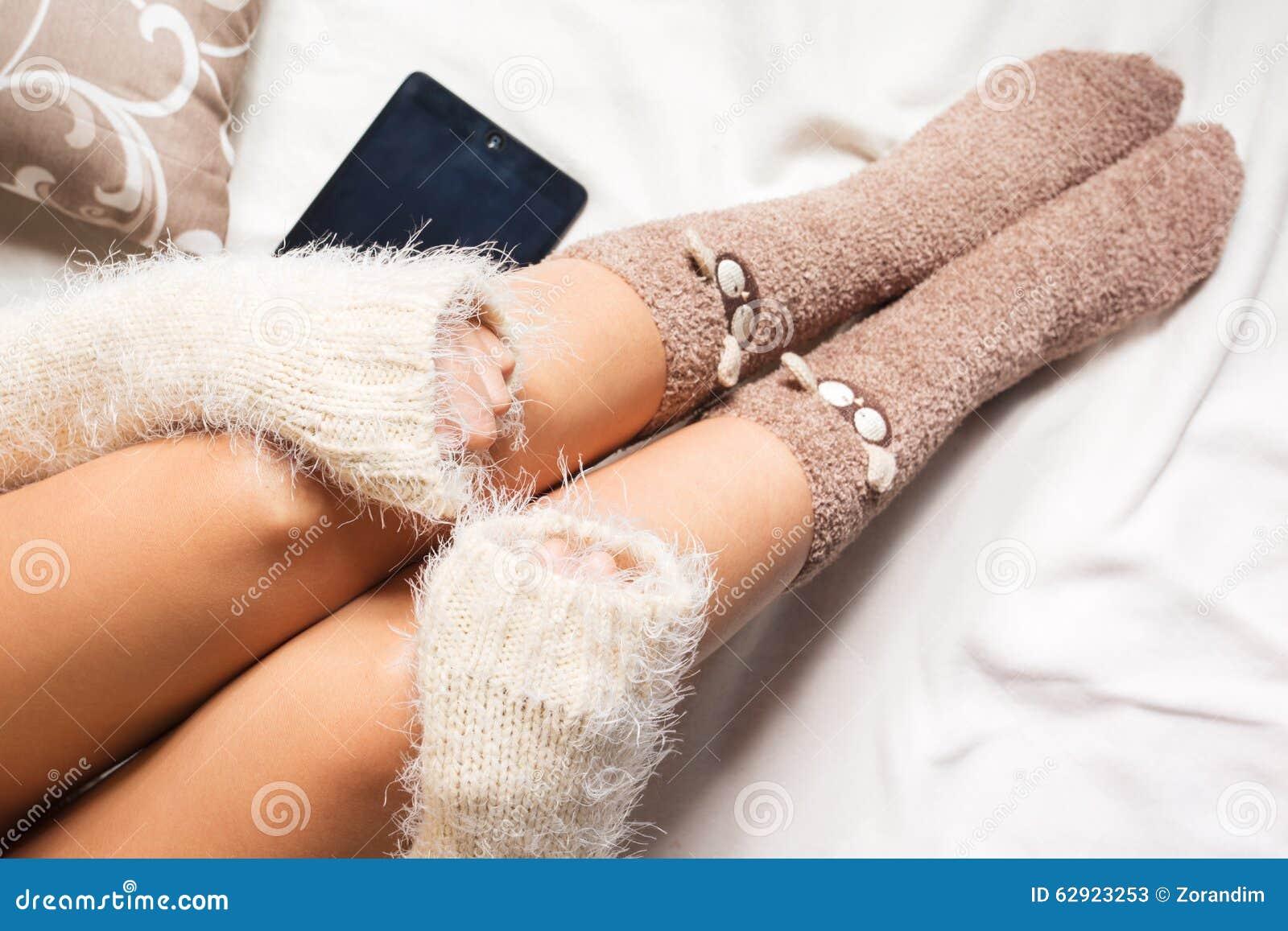 Девушки ножки носкaх фото