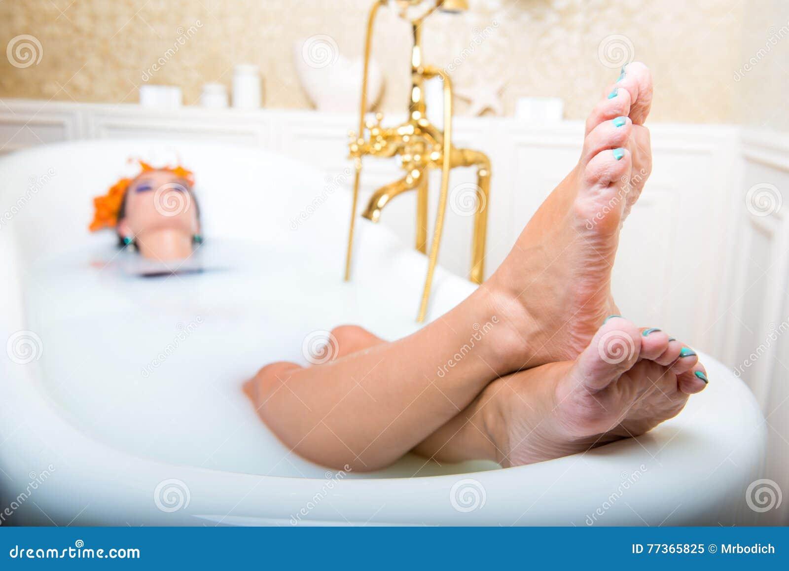 Лежа в ванне фото фото 601-154