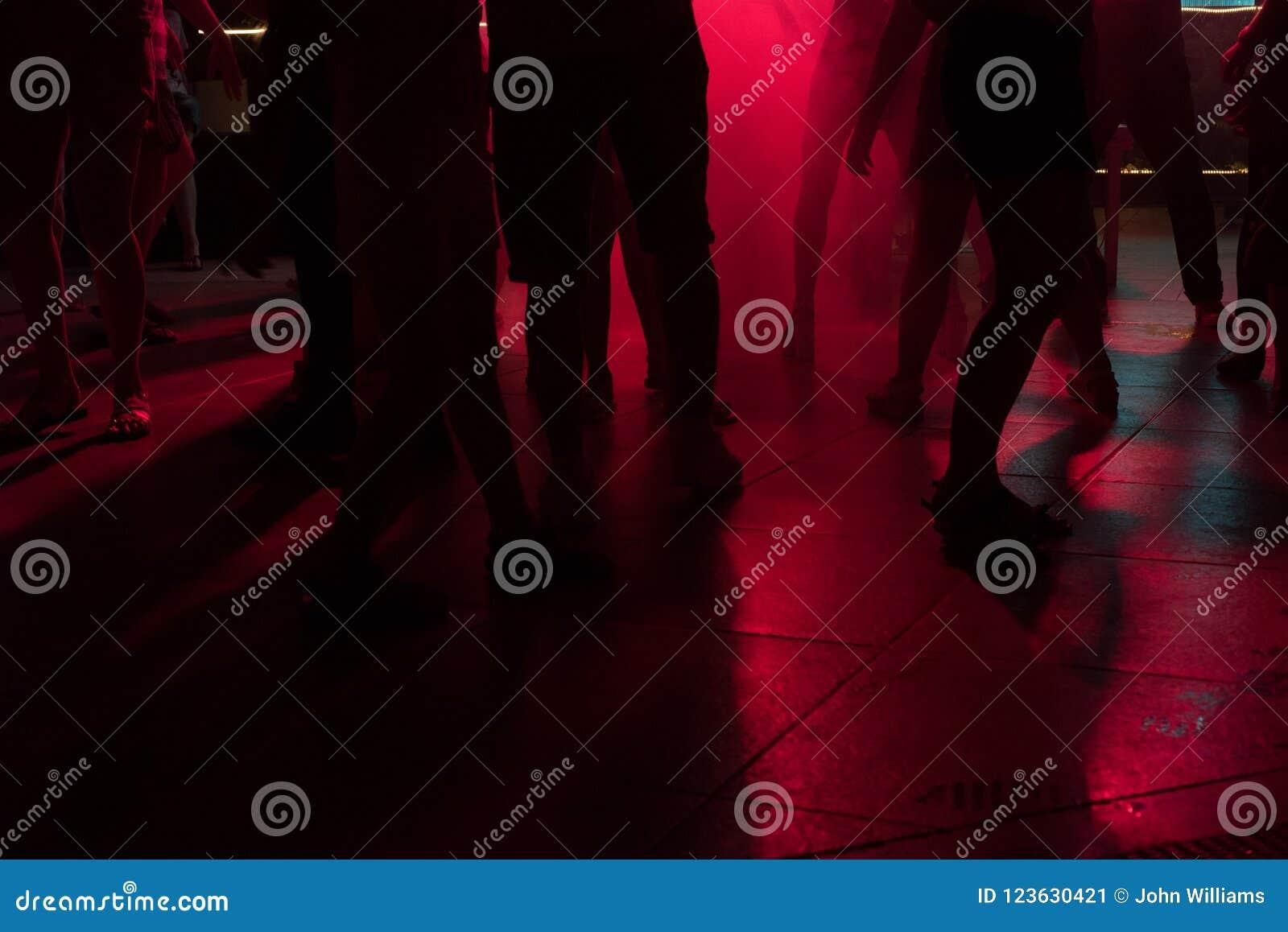 Ночной клуб ноги клуб ночные волки москва фото