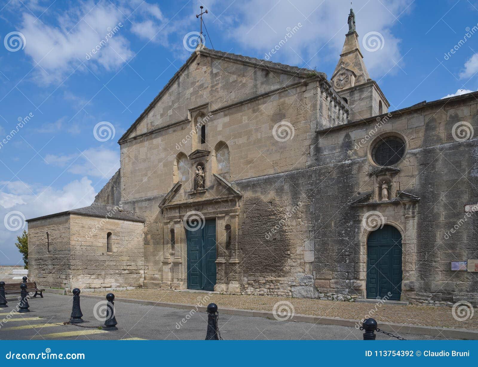 Нотр-Дам de Ла Главн - католическая церковь - Arles - Провансаль - Camargue - Франция