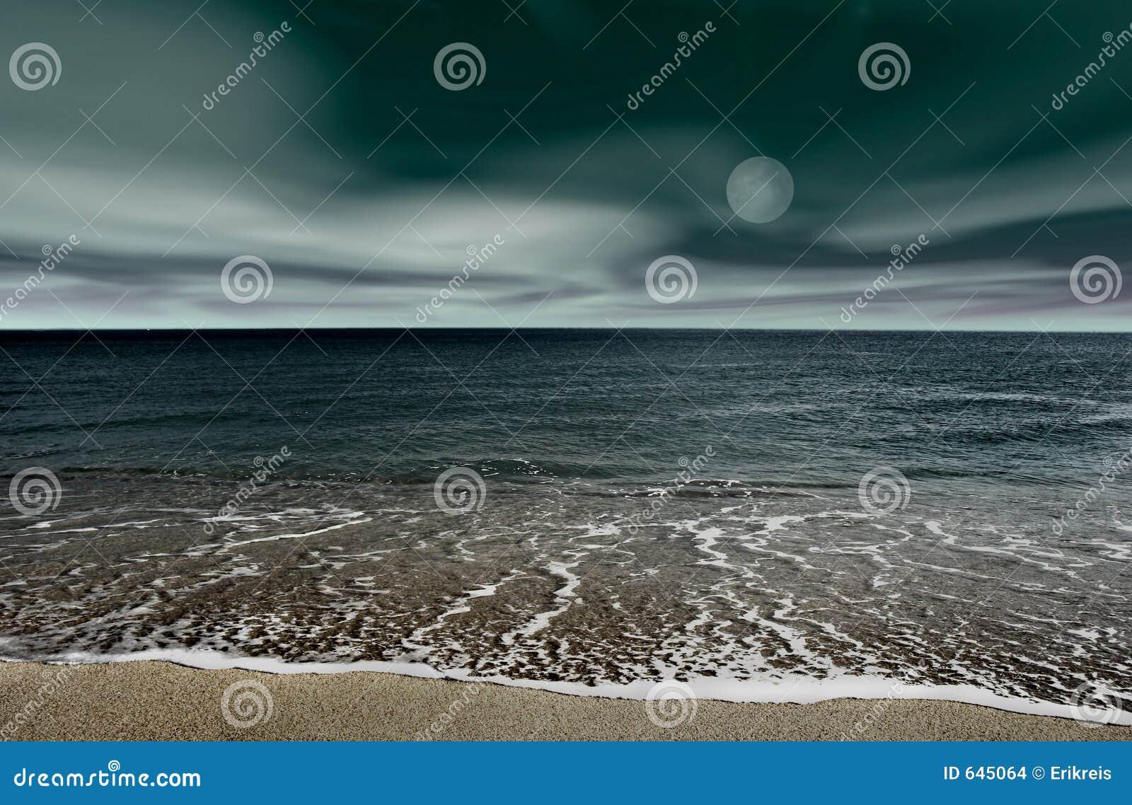 Download ноча ландшафта стоковое фото. изображение насчитывающей coastline - 645064