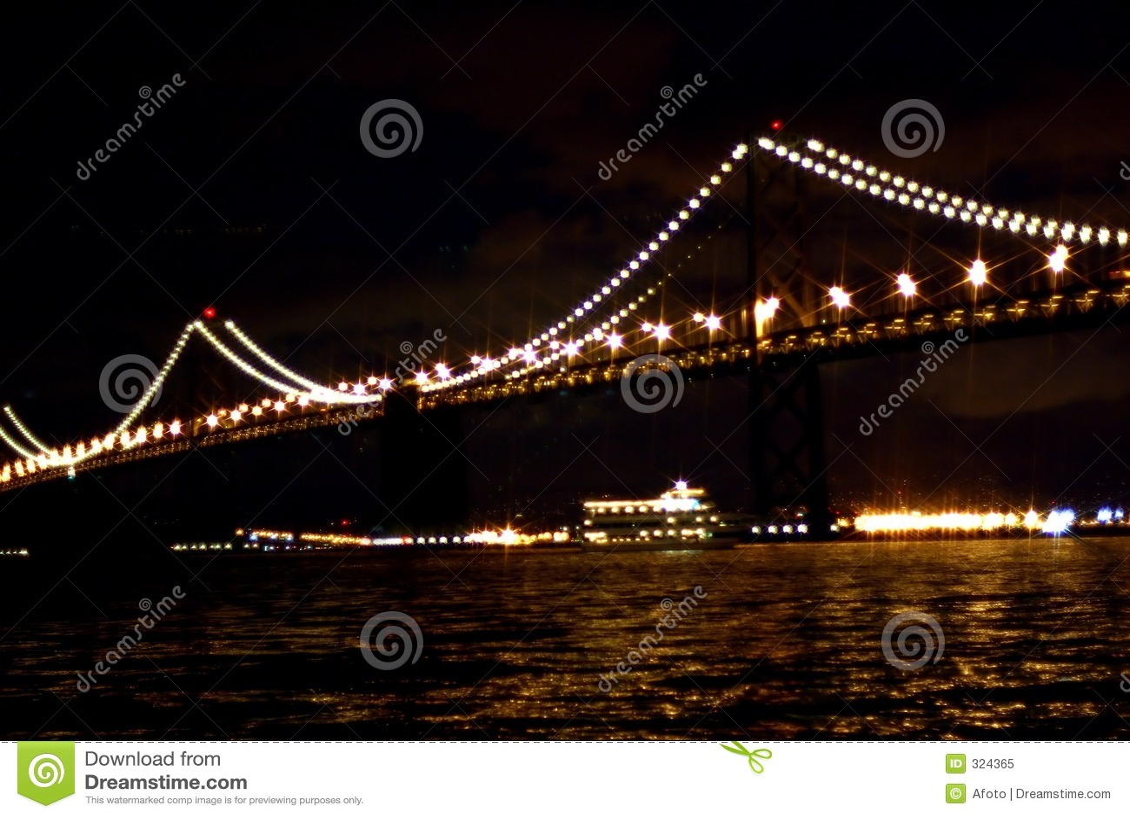 ноча моста залива