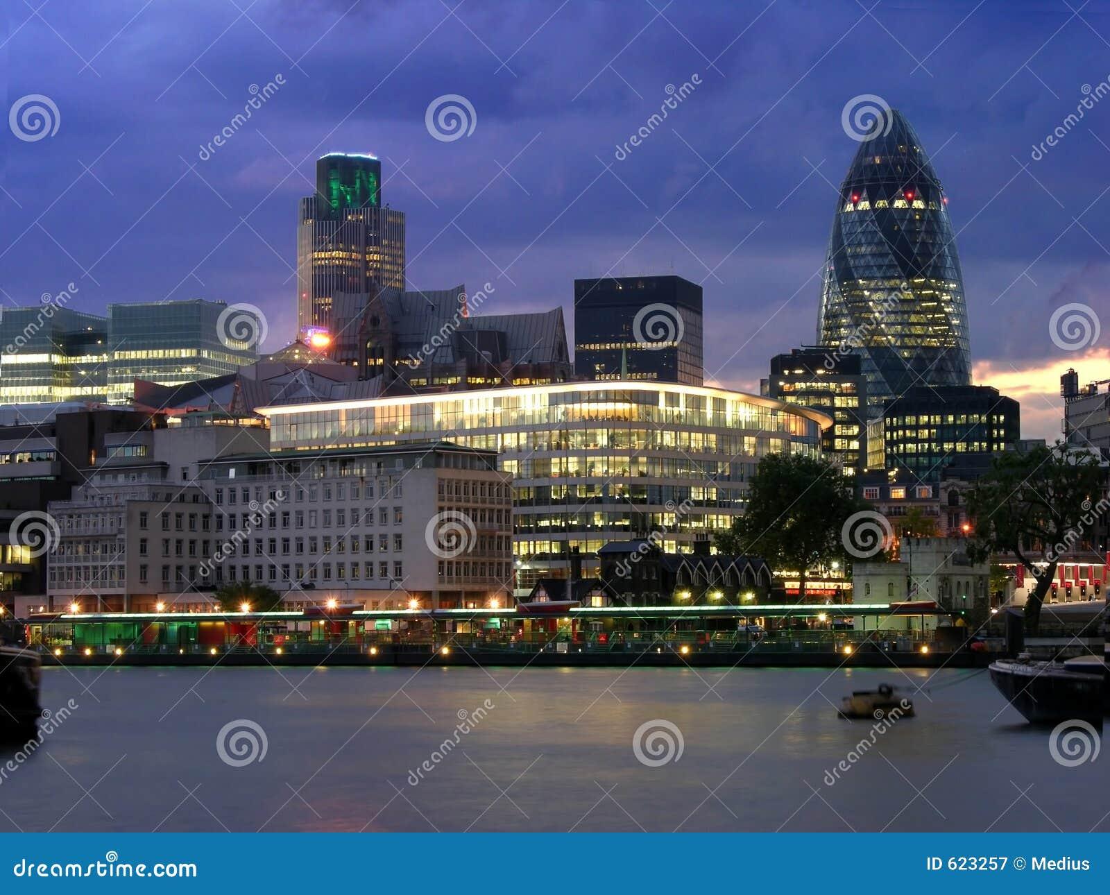 ноча london города