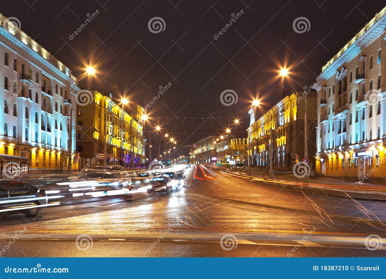 ноча minsk городского пейзажа Беларуси