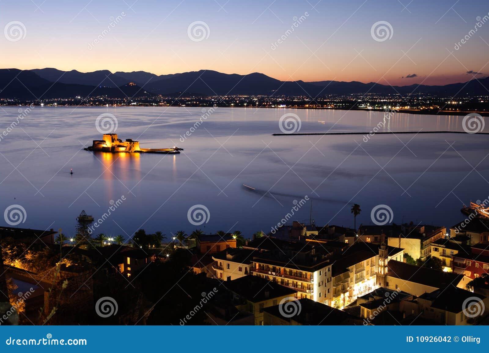 ноча nauplia залива
