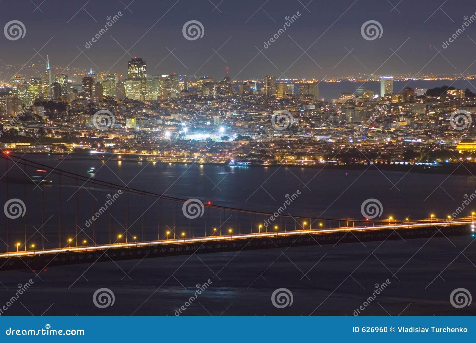 Download ноча San строба Francisco моста золотистая Стоковое Фото - изображение насчитывающей pacific, горизонт: 626960