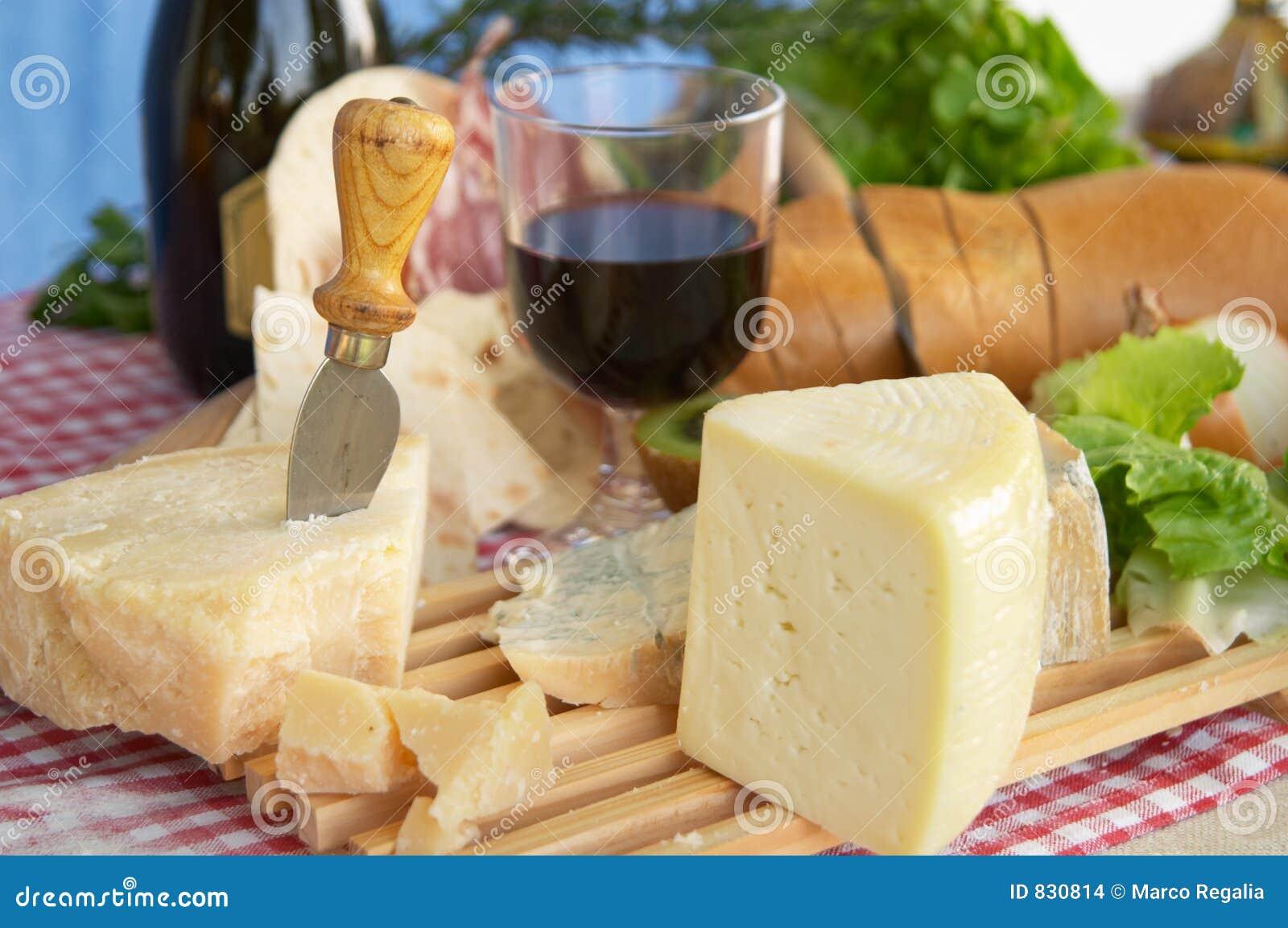 обвалите вино в сухарях pecorino parmigiano gorgonzola сыра