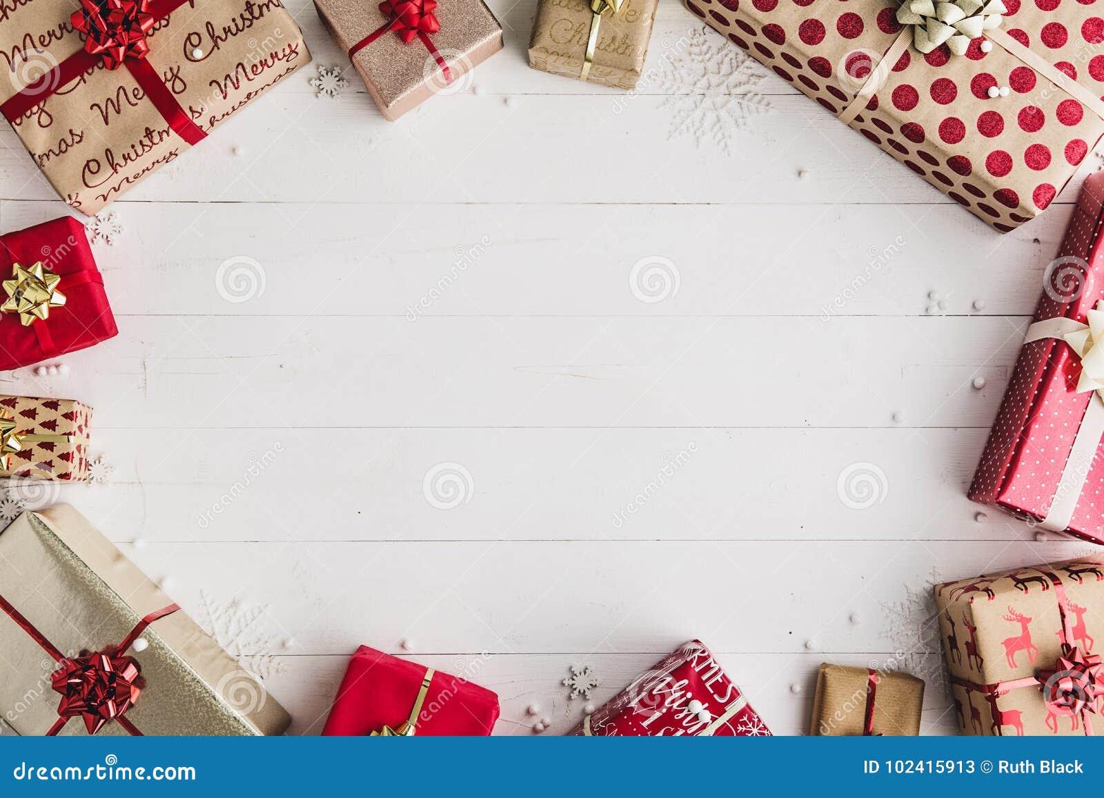 обернутые подарки рождества