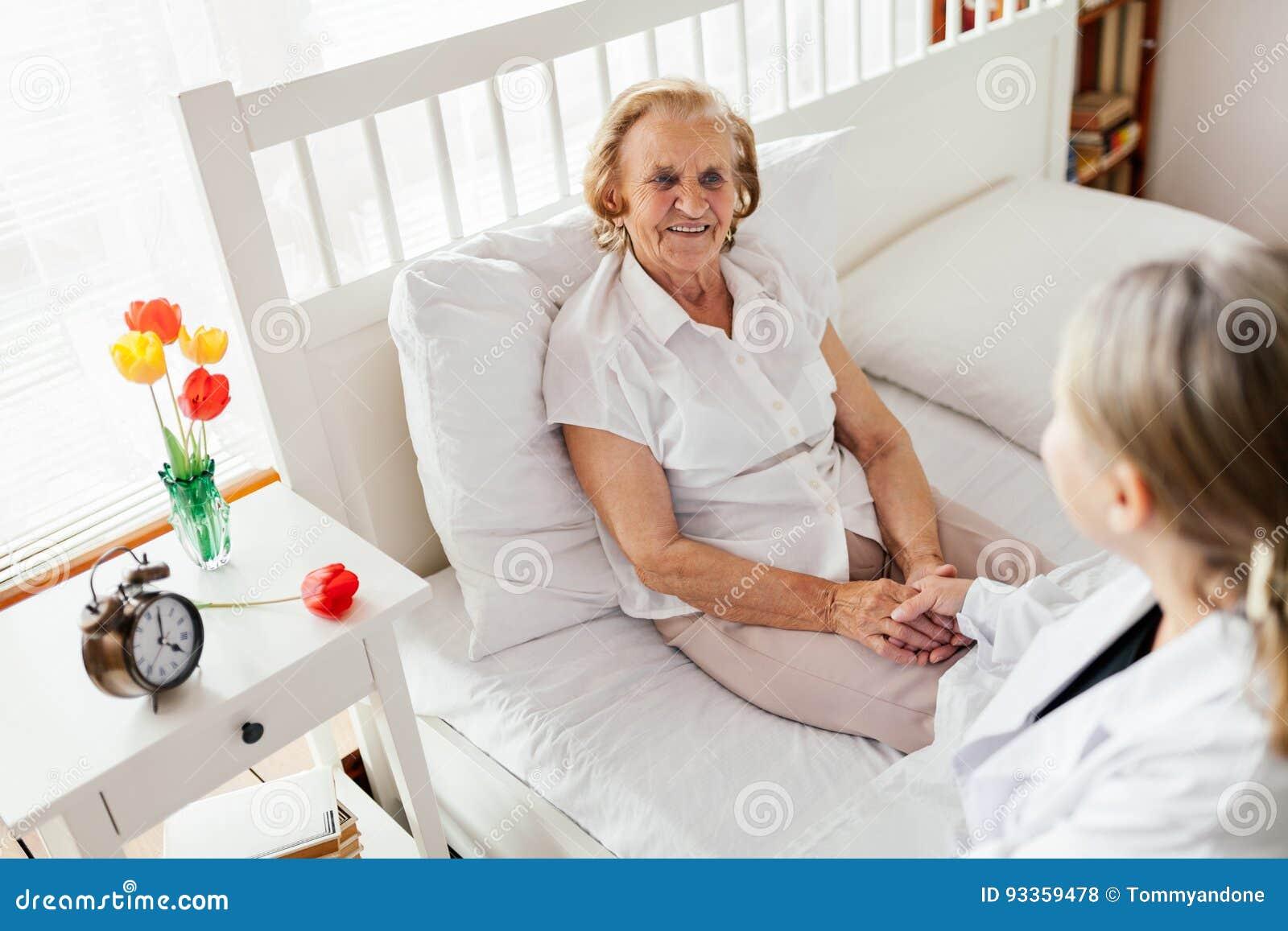 Фотографии пожилых людей дома дом престарелых фильм онлайн