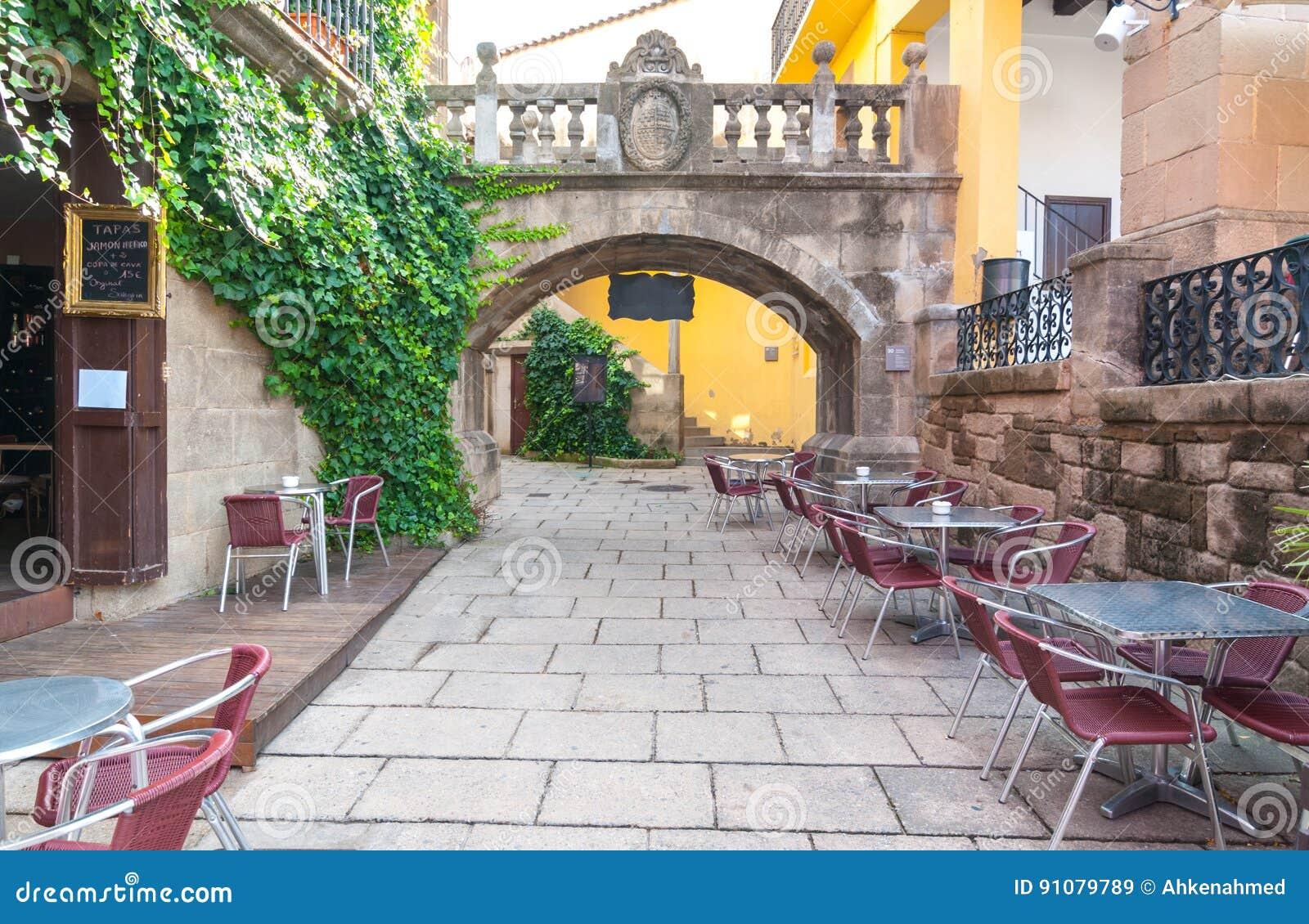 Обедать фреска al ожидает в Barceloneta в городе Барселоны