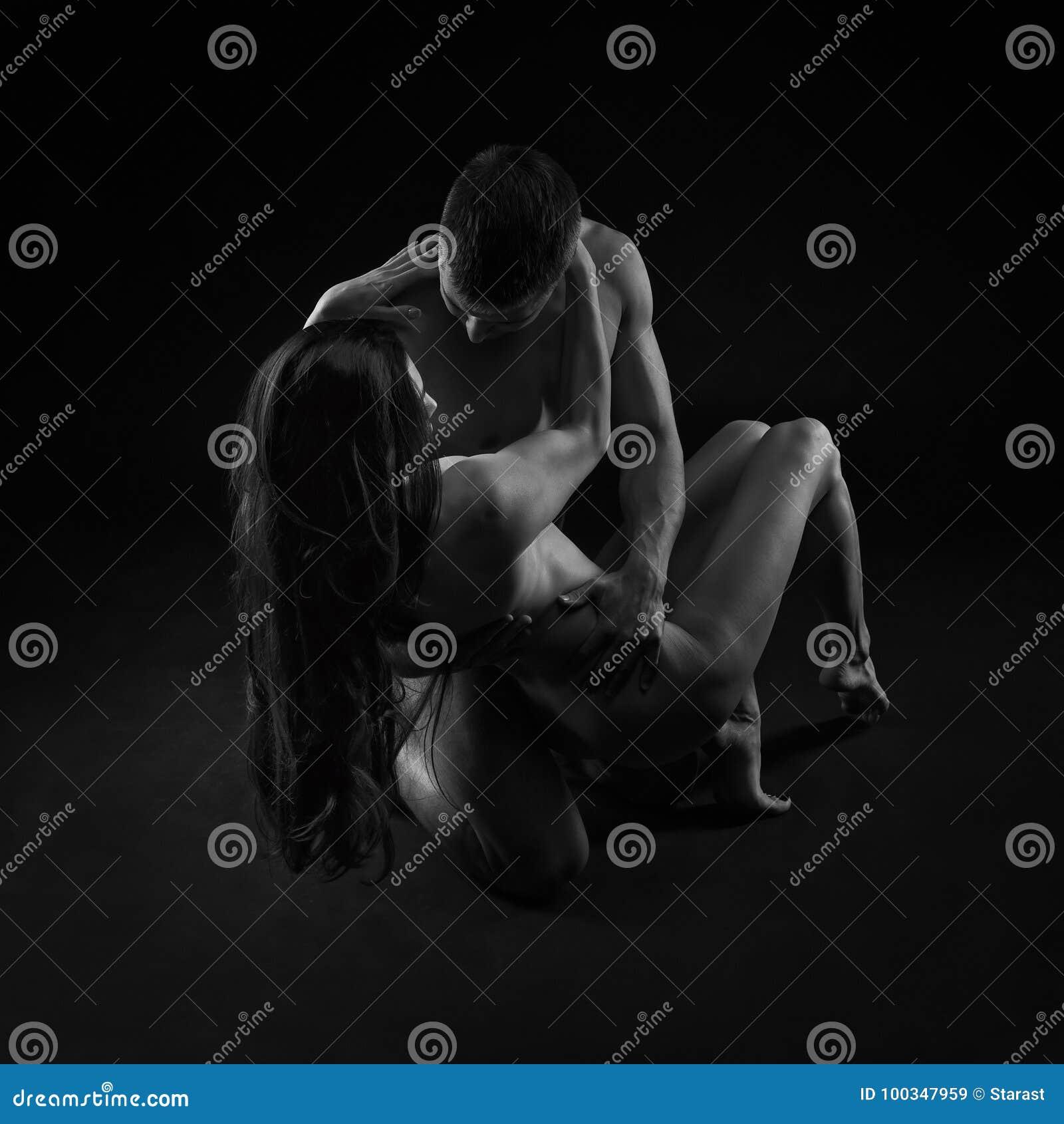 Обнаженные сексуальные пары