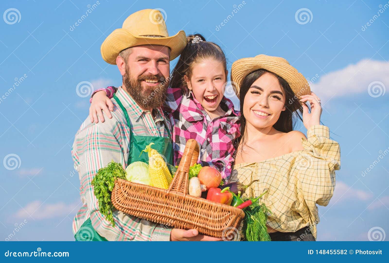Образ жизни семьи сельской местности E Отец семьи