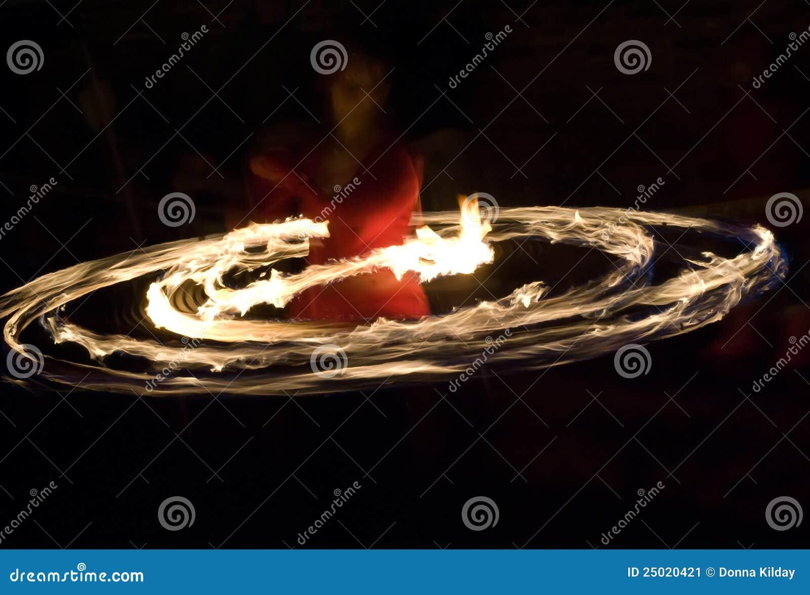 обруч пожара танцора