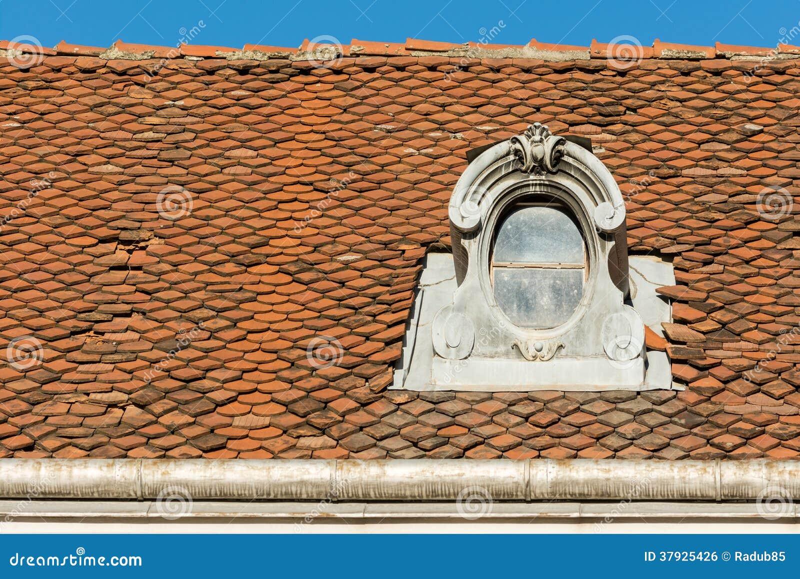 Общая средневековая крыша дома
