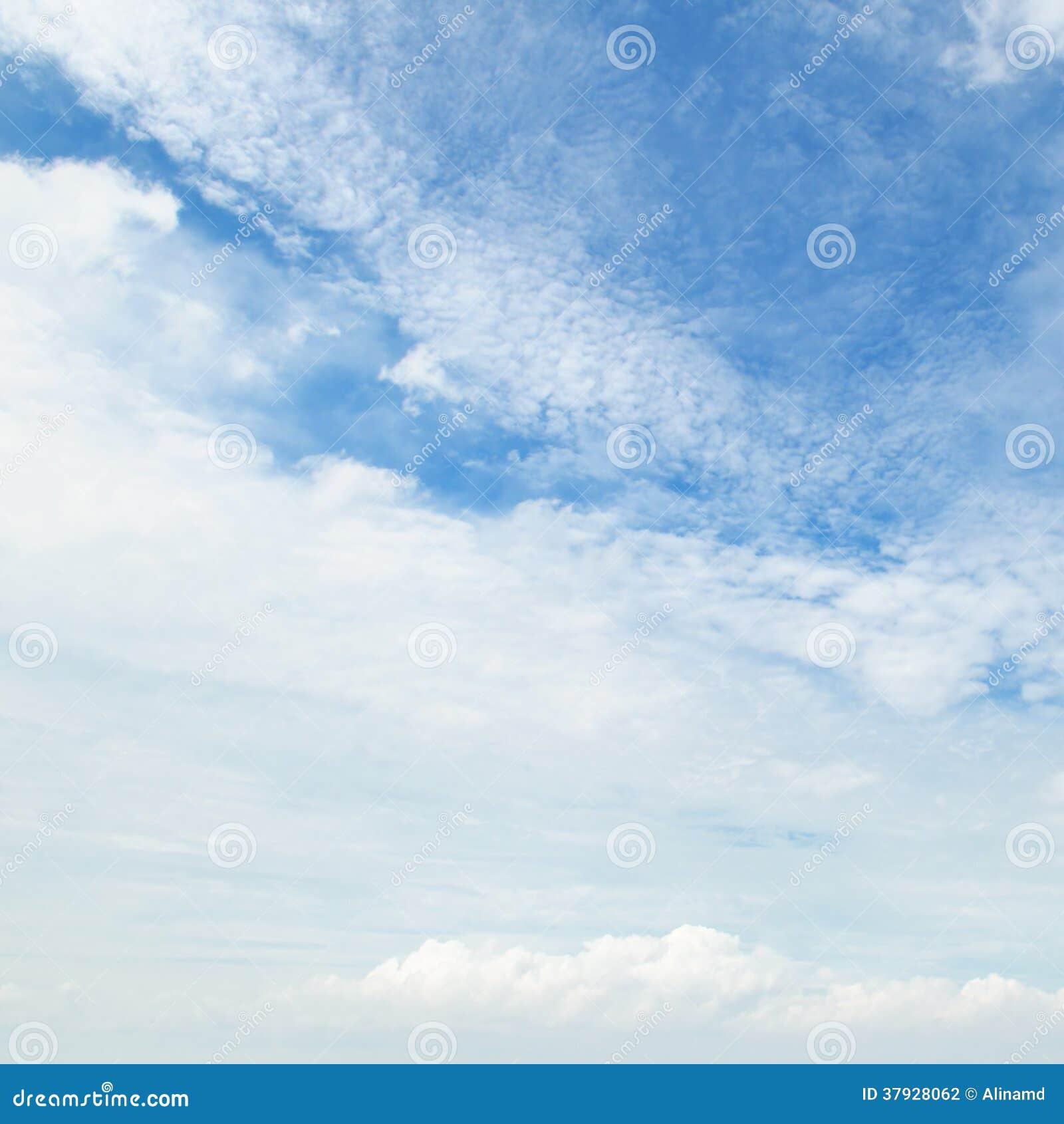 облака и голубое небо