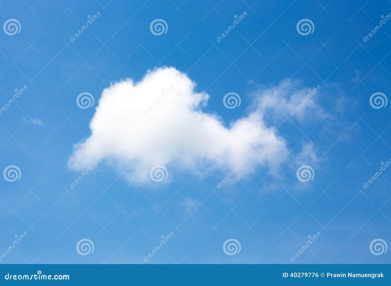 Облако в небе