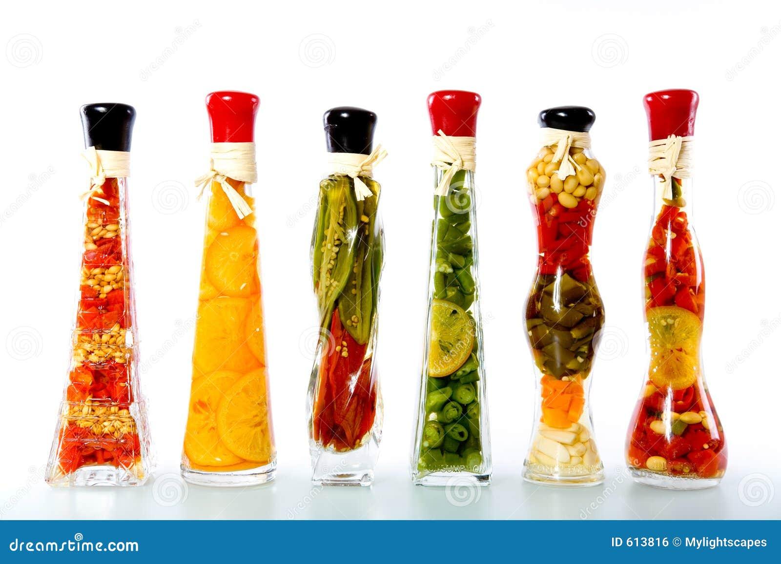 Как сделать декоративную бутылку с овощами