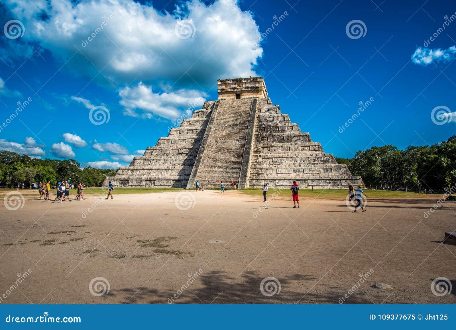 Оглушать chichen цивилизация Мексики itza старая