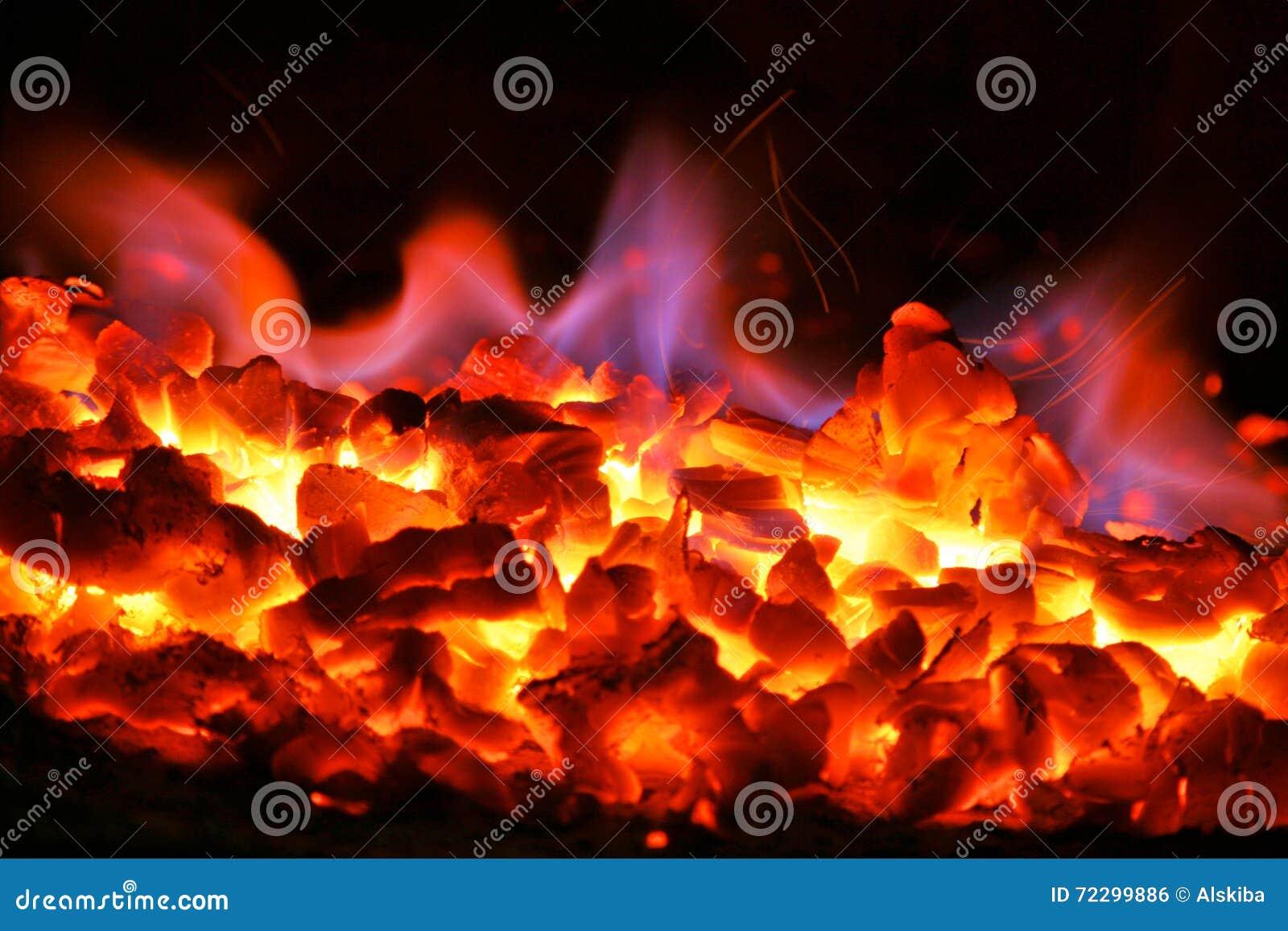 Download Огонь угля стоковое фото. изображение насчитывающей горнорабочие - 72299886