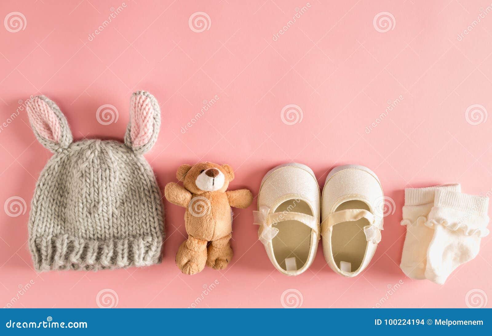 Одежды и аксессуары младенца