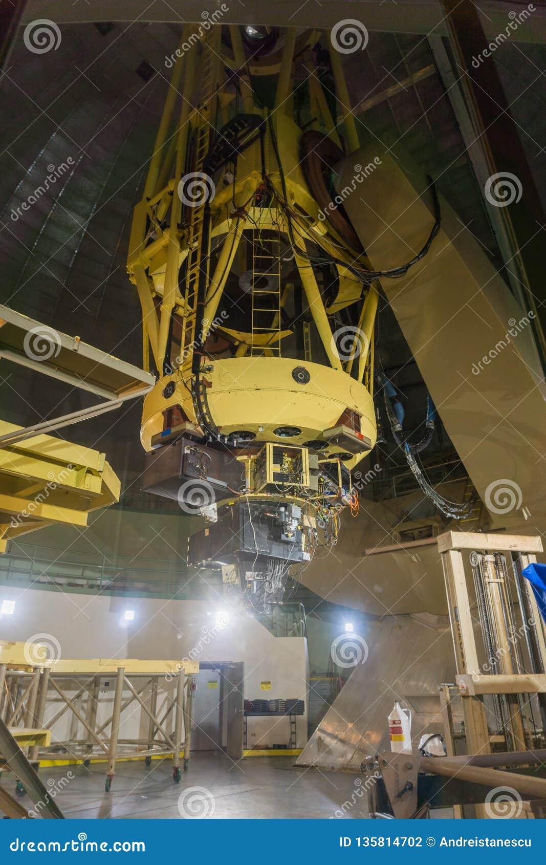 7-ое мая 2017 Сан-Хосе /CA/USA - телескоп Шейн 120 дюймов на обсерватории Lick - держатель Гамильтон, южный San Francisco Bay