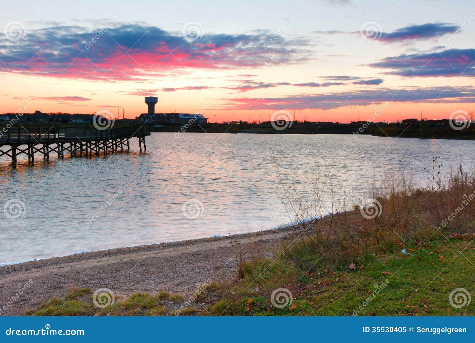 Озеро булыжник