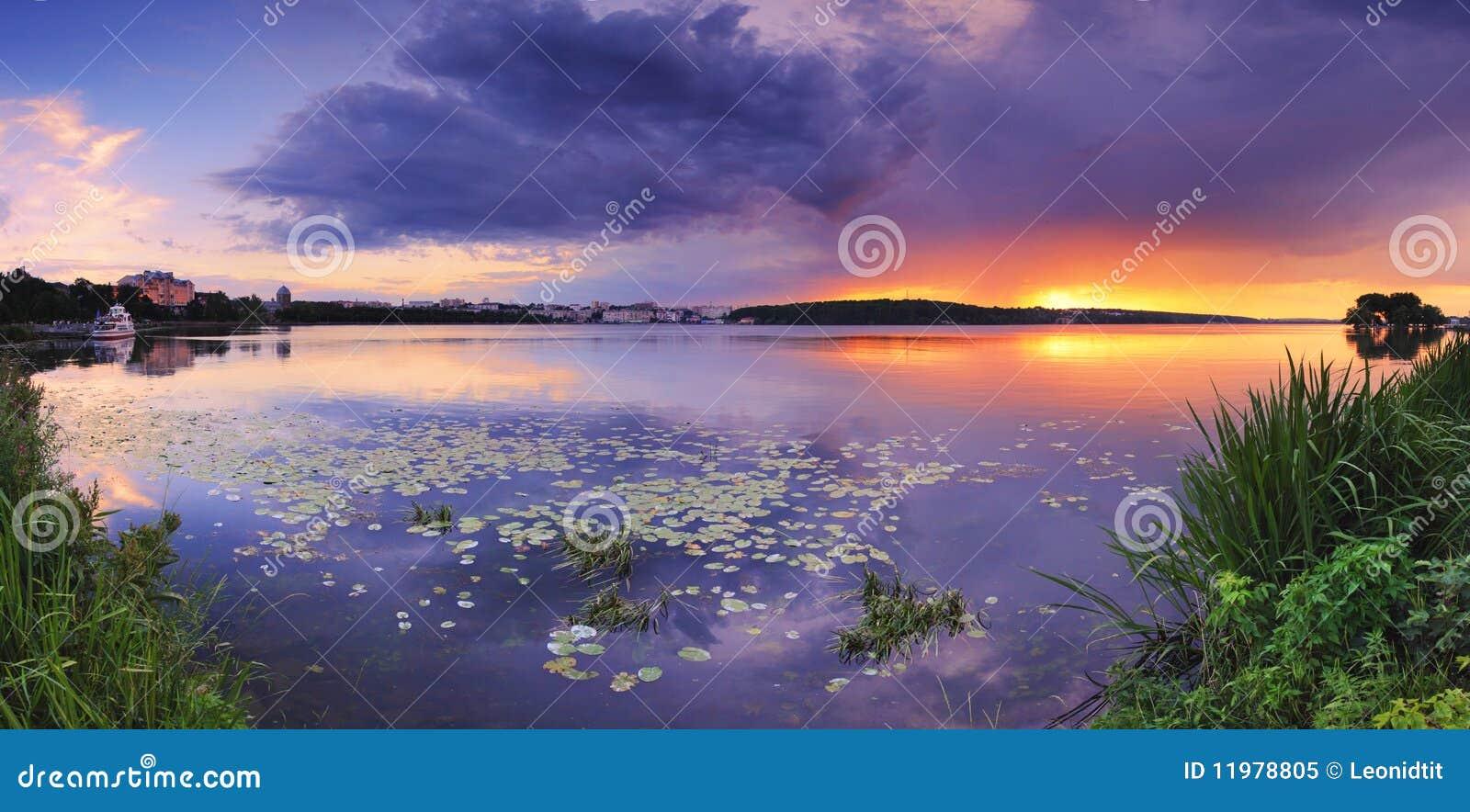 озеро вечера