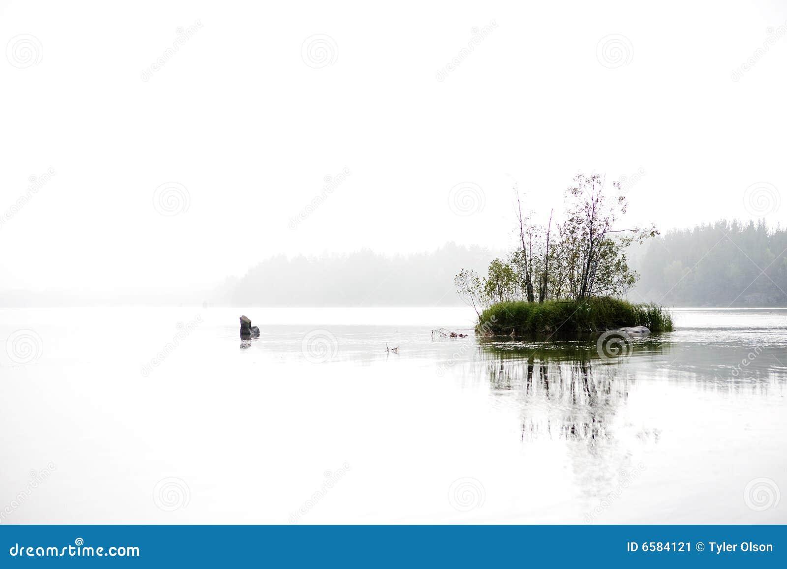 озеро мирное