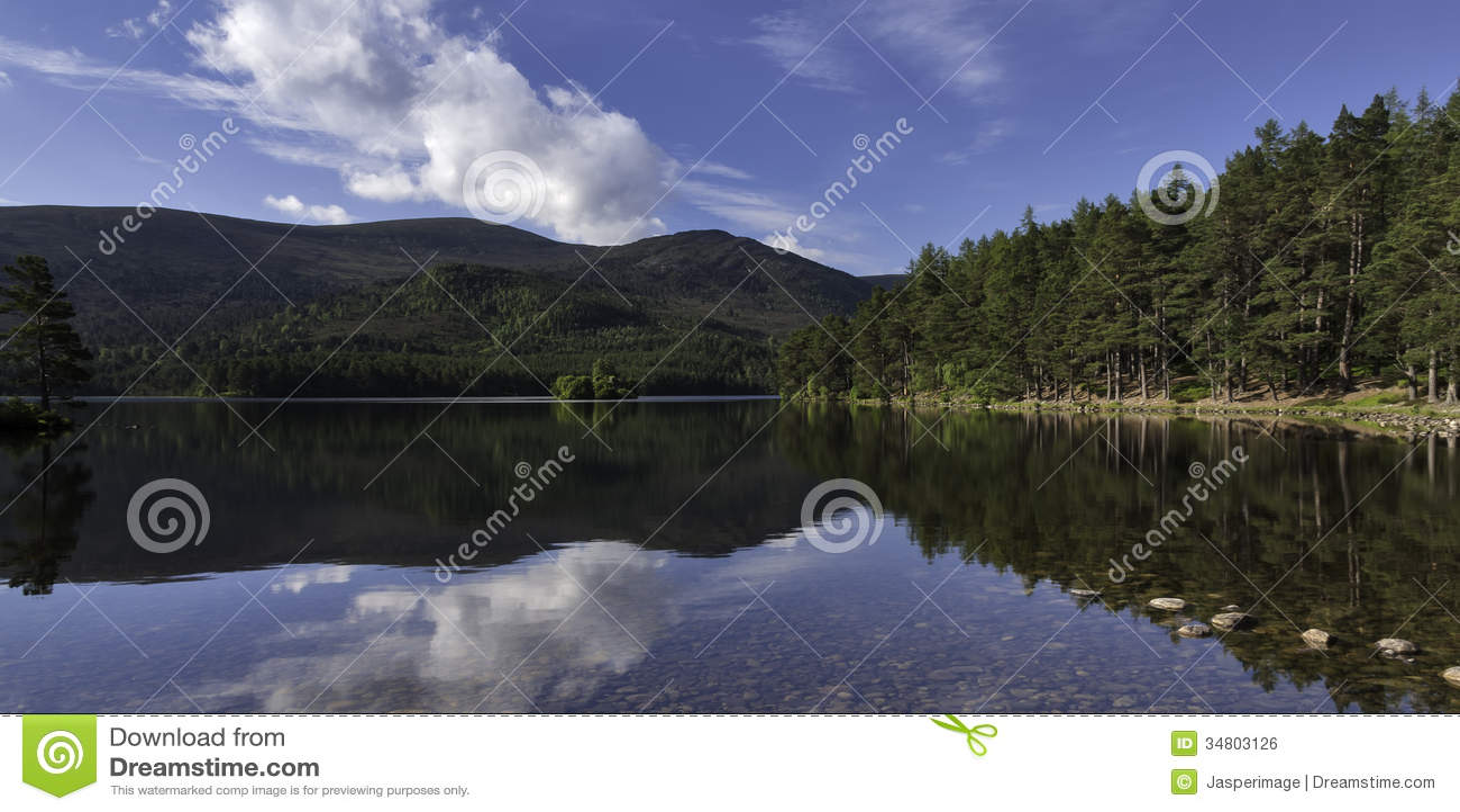Озеро Eilein рано утром