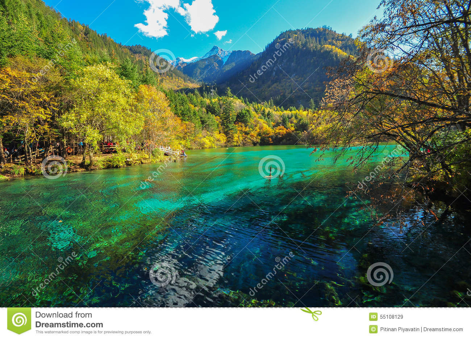 Озеро Jiuzhaigou