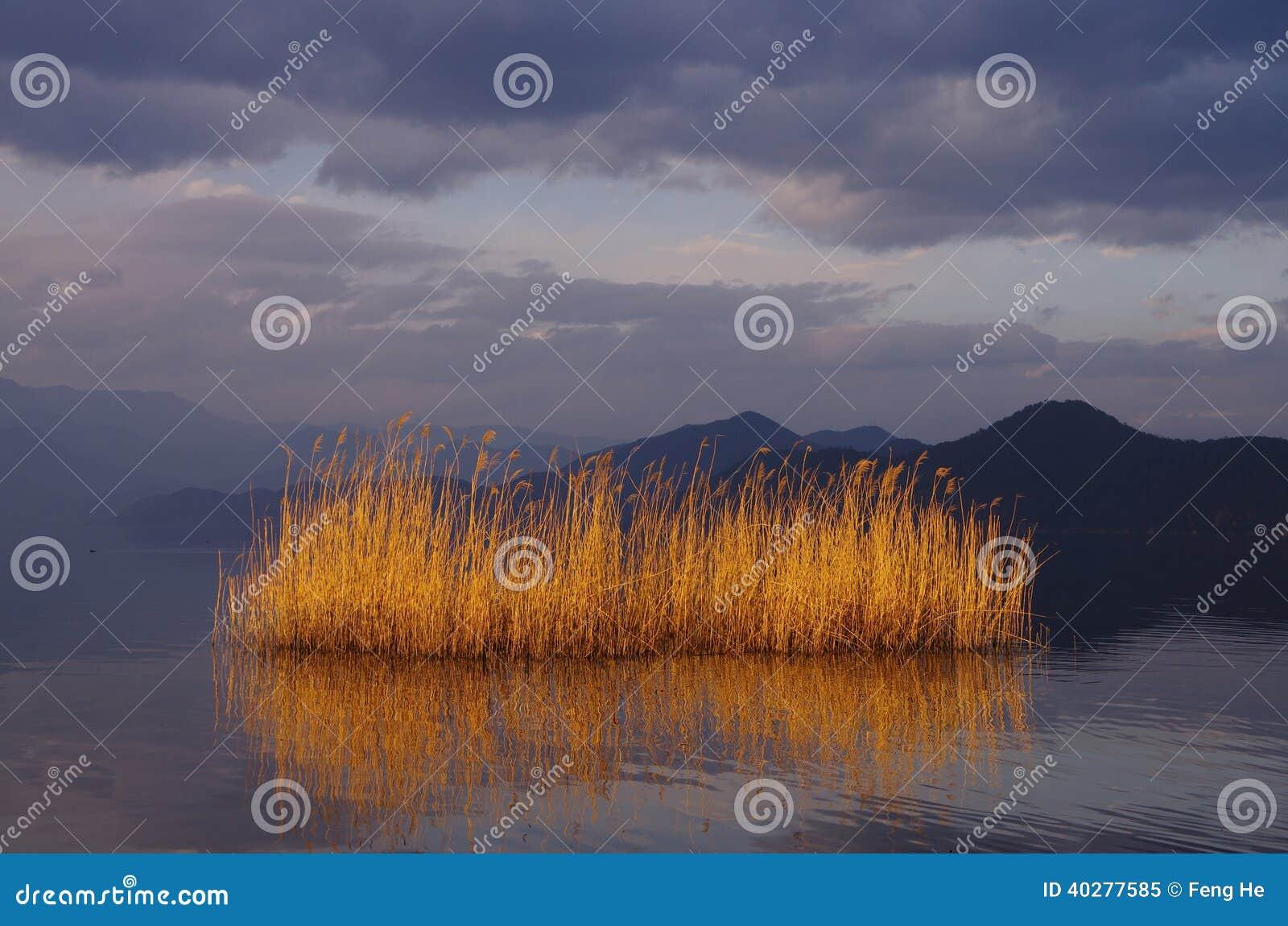 Озеро Lugu, Юньнань, Китай