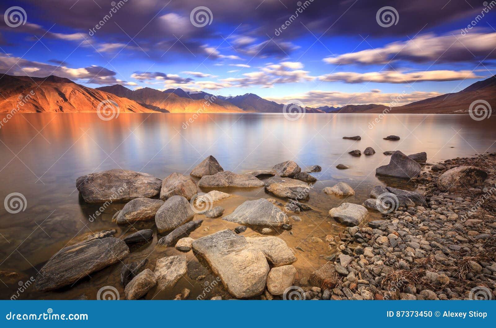 Озеро Tso Pangong
