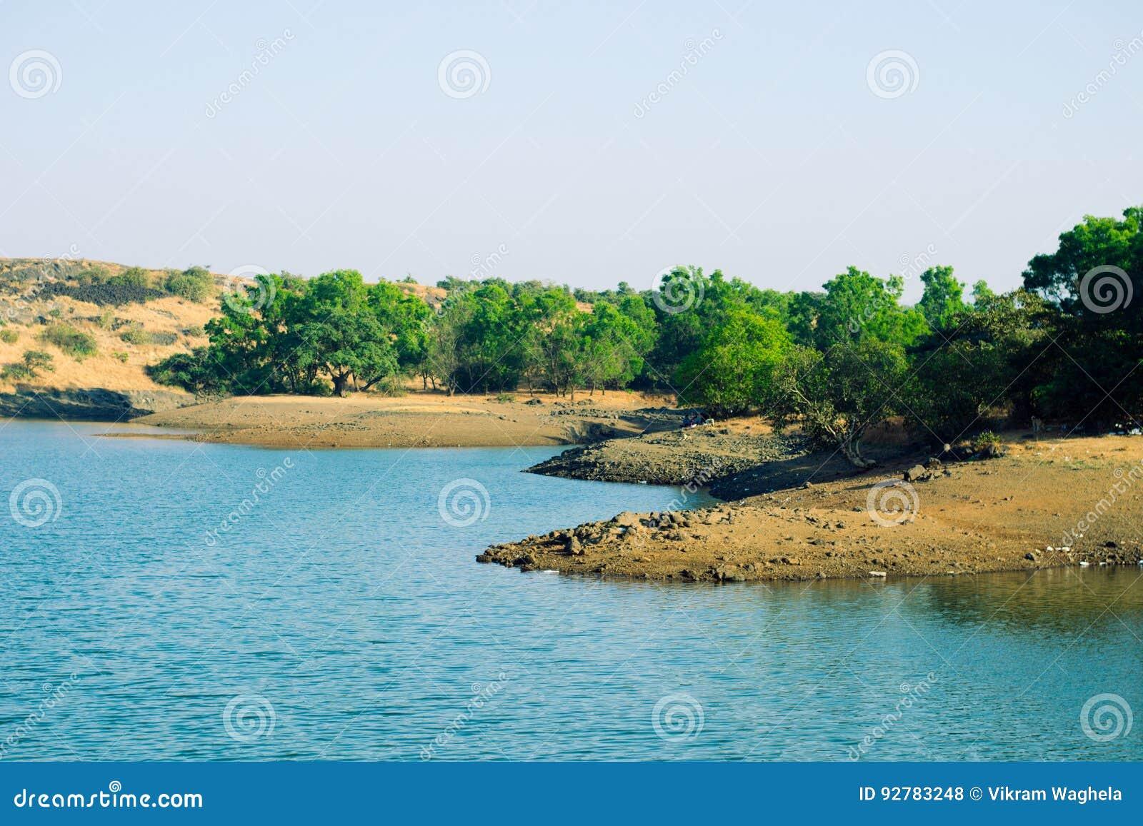 Озеро Tungarli, Lonavala, махарастра, Индия