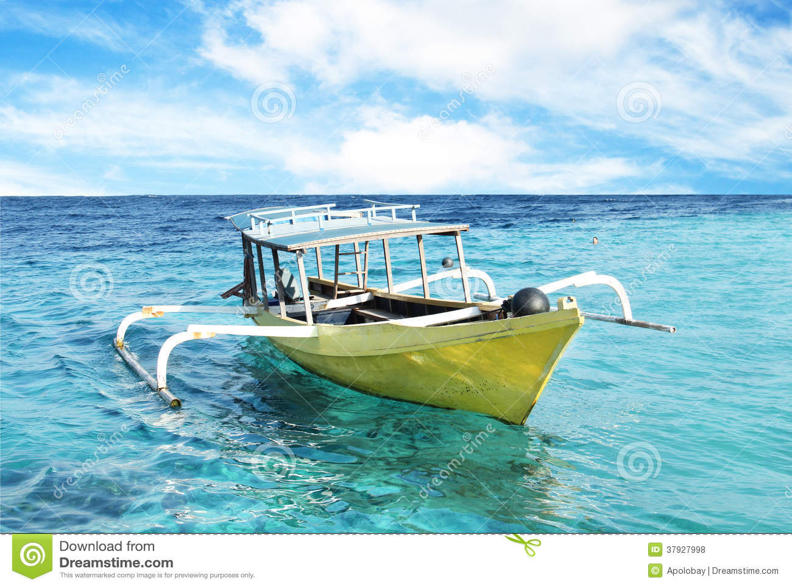 Океан шлюпки и открытого моря