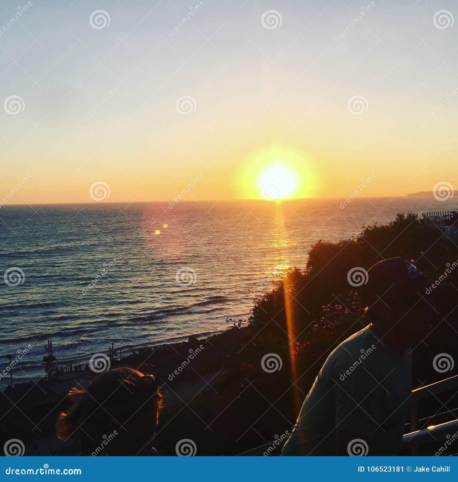 океан 3d представляет заход солнца