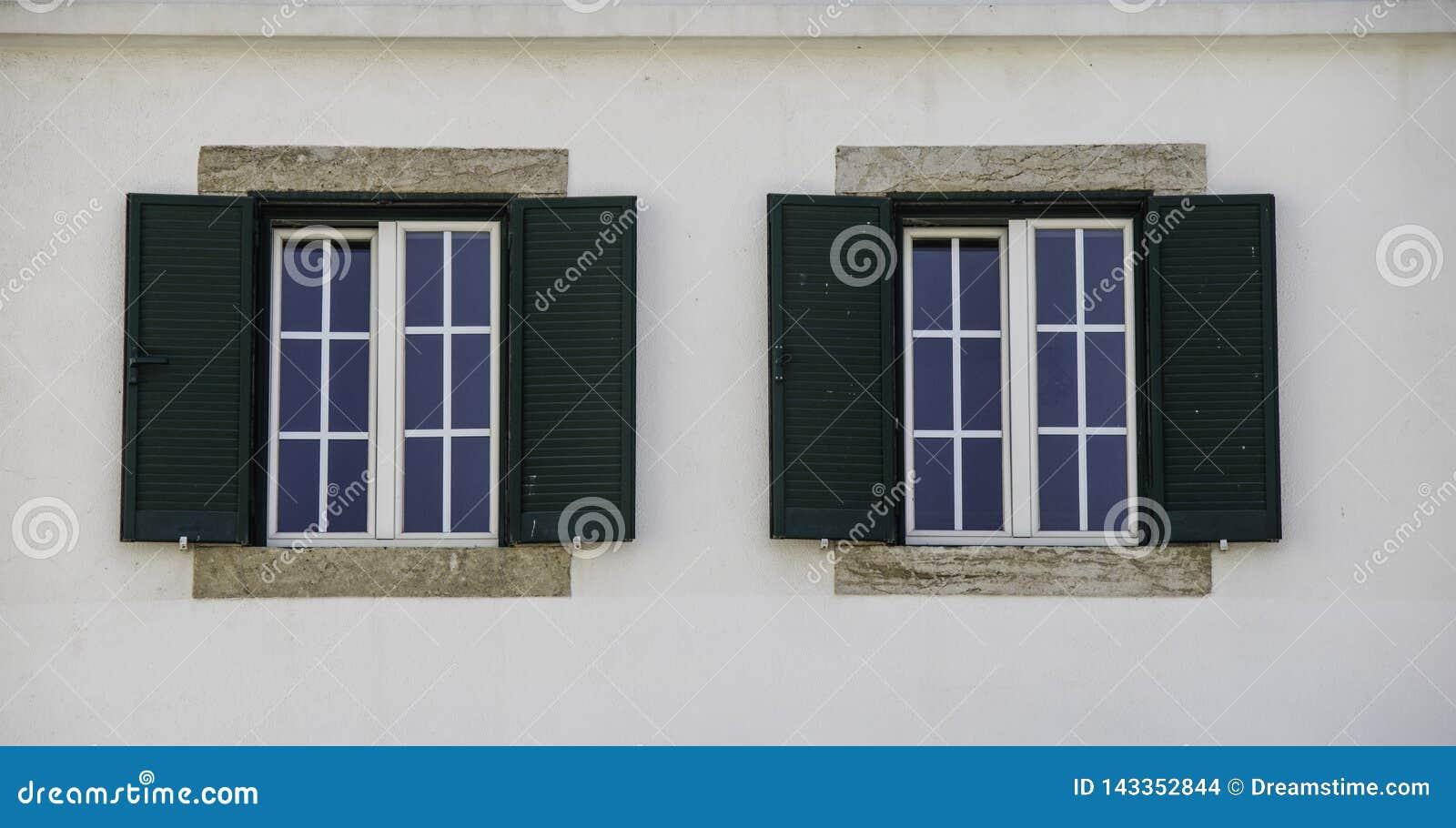 Окна двойника архитектуры в Европе
