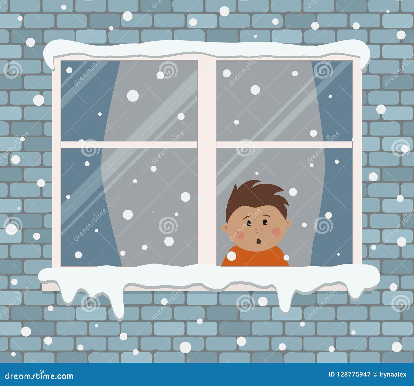 Окно на кирпичной стене на снежный день Удивлен мальчик в комнате, смотря снег