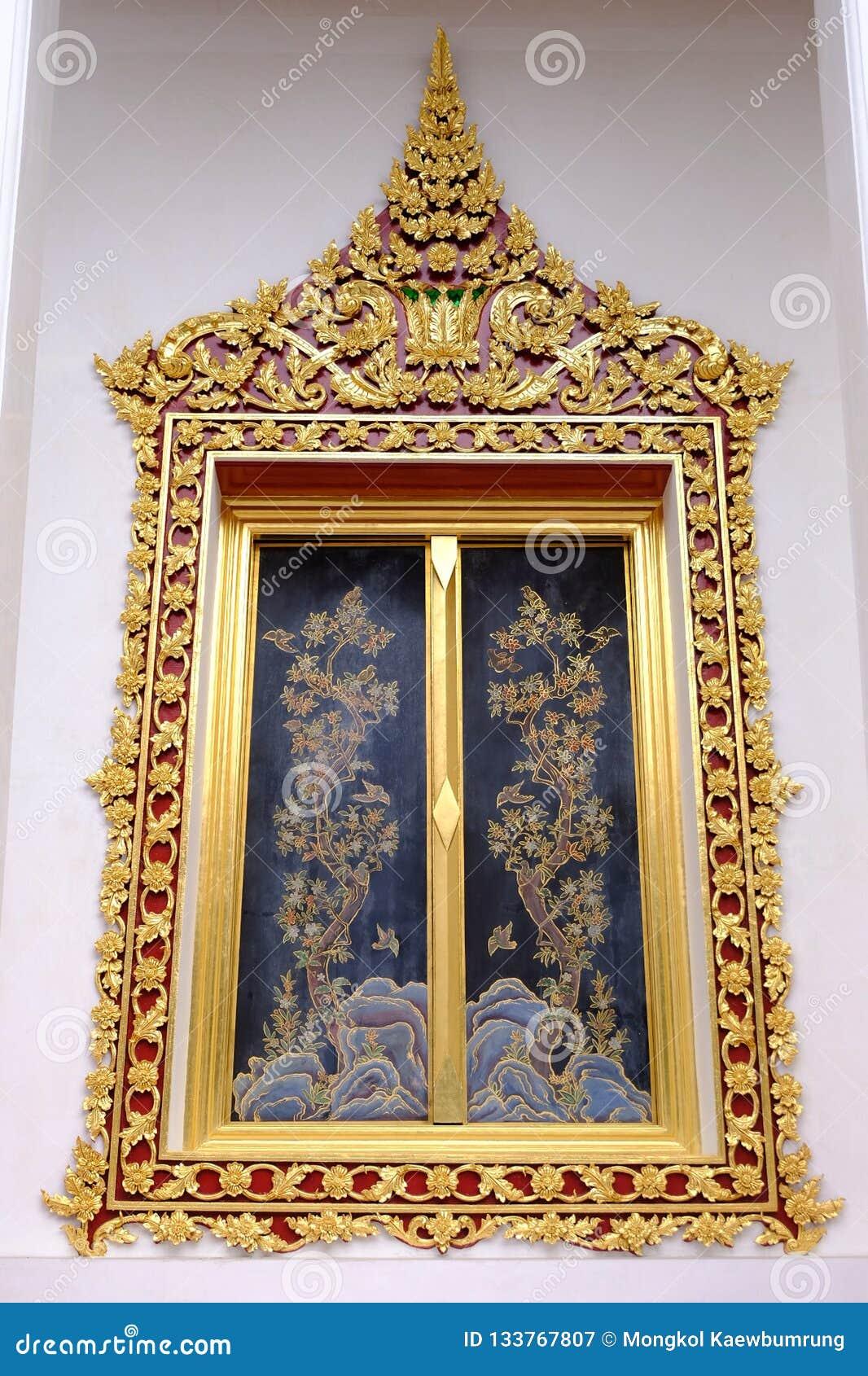 Окно тайского королевского посвящения Hall от Nonthaburi