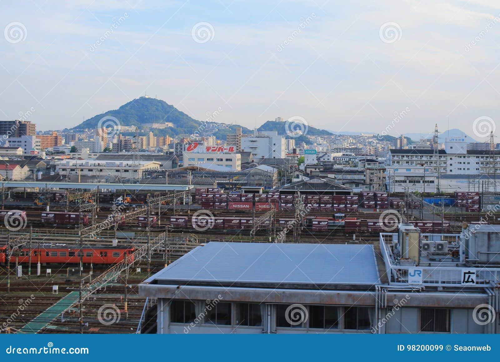 Download док поезда на ХИРОСИМЕ, редакционное стоковое изображение. изображение насчитывающей футуристическо - 98200099