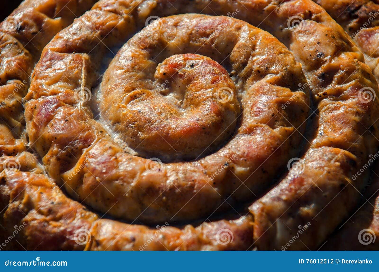 Как сделать свиную колбасу из свиных кишок