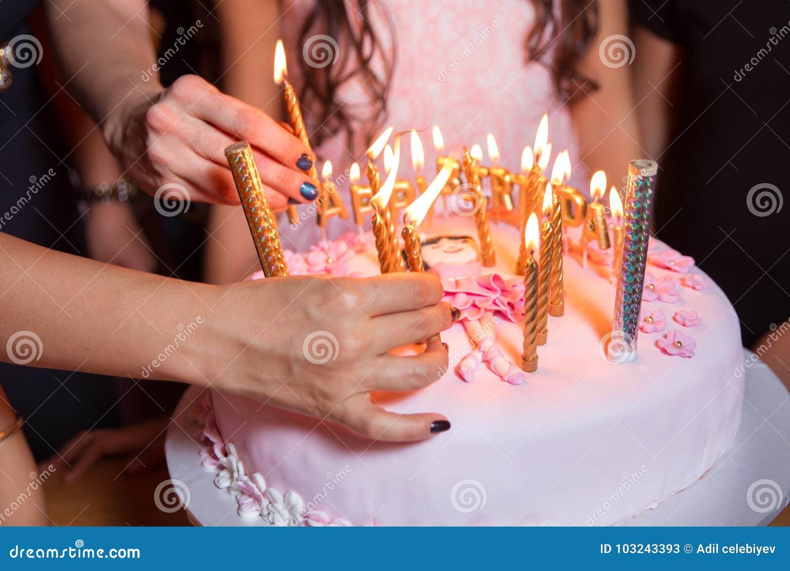Усы и горит свеча на чизкейк — стоковое фото © nito103 #121066044.