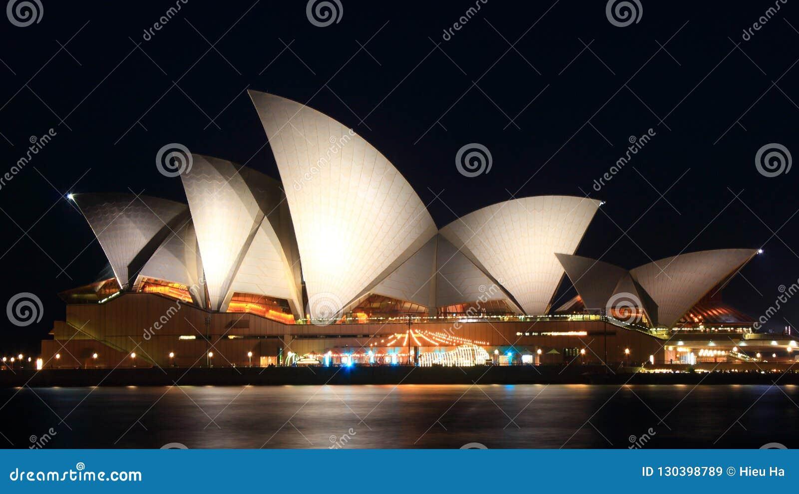 опера Сидней ночи дома