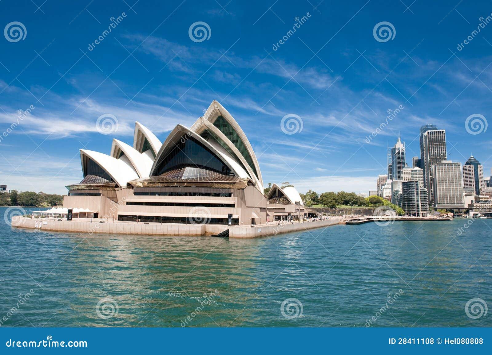 Оперный театр и путь Сидней к круговому Quay