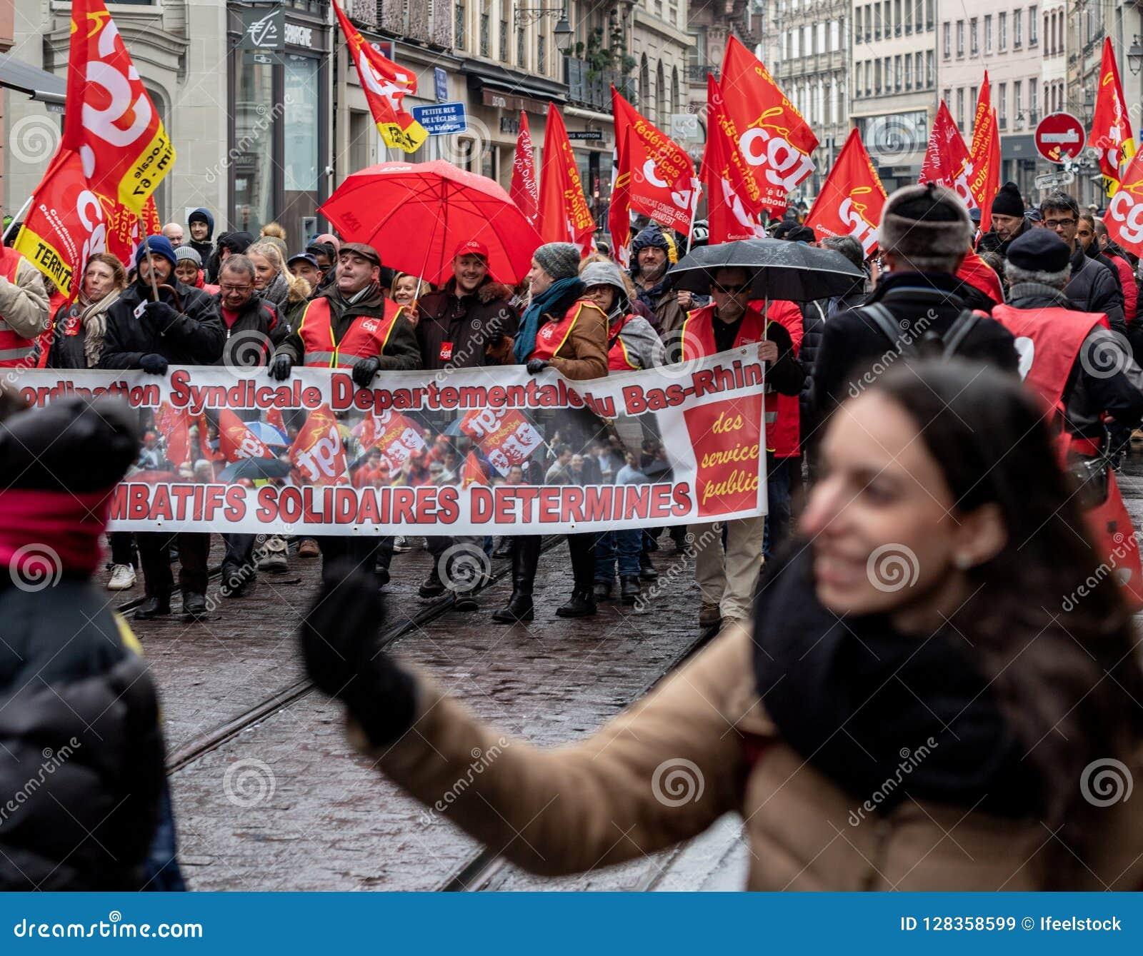 Опротестуйте против строки правительства Macron французской centr реформ