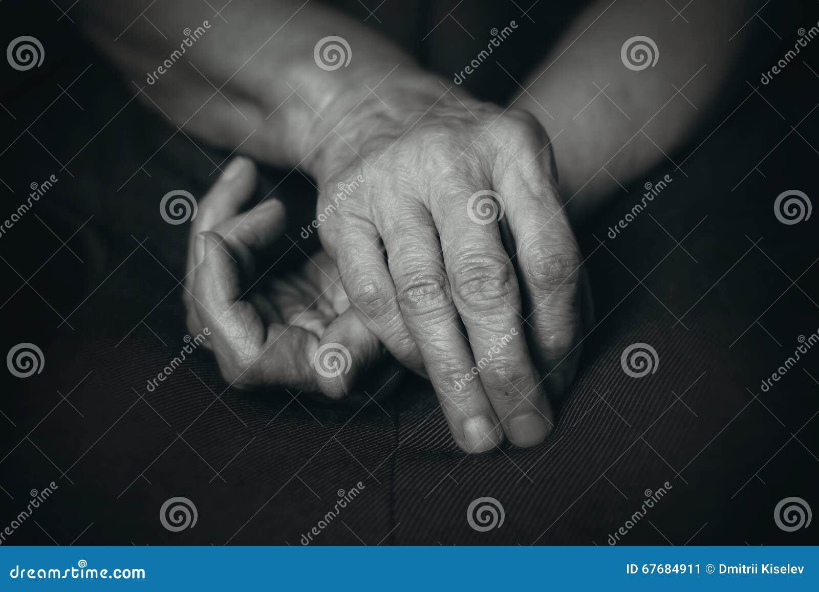 Опытные человеки пожилого человека