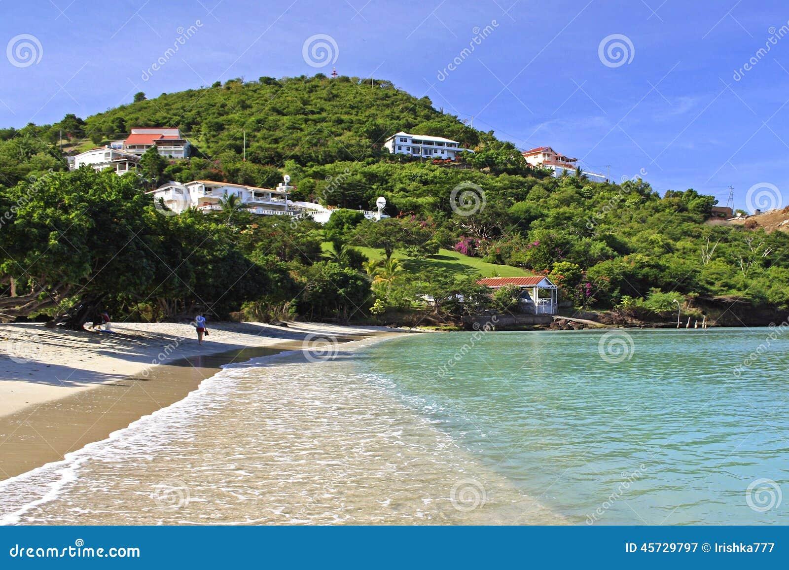 Оплачьте пляж румян тропический в Гренаде