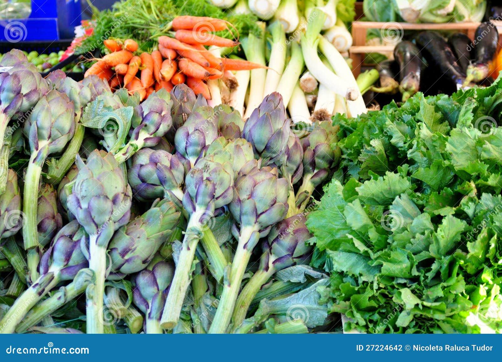 Органический рынок овощей в Италии