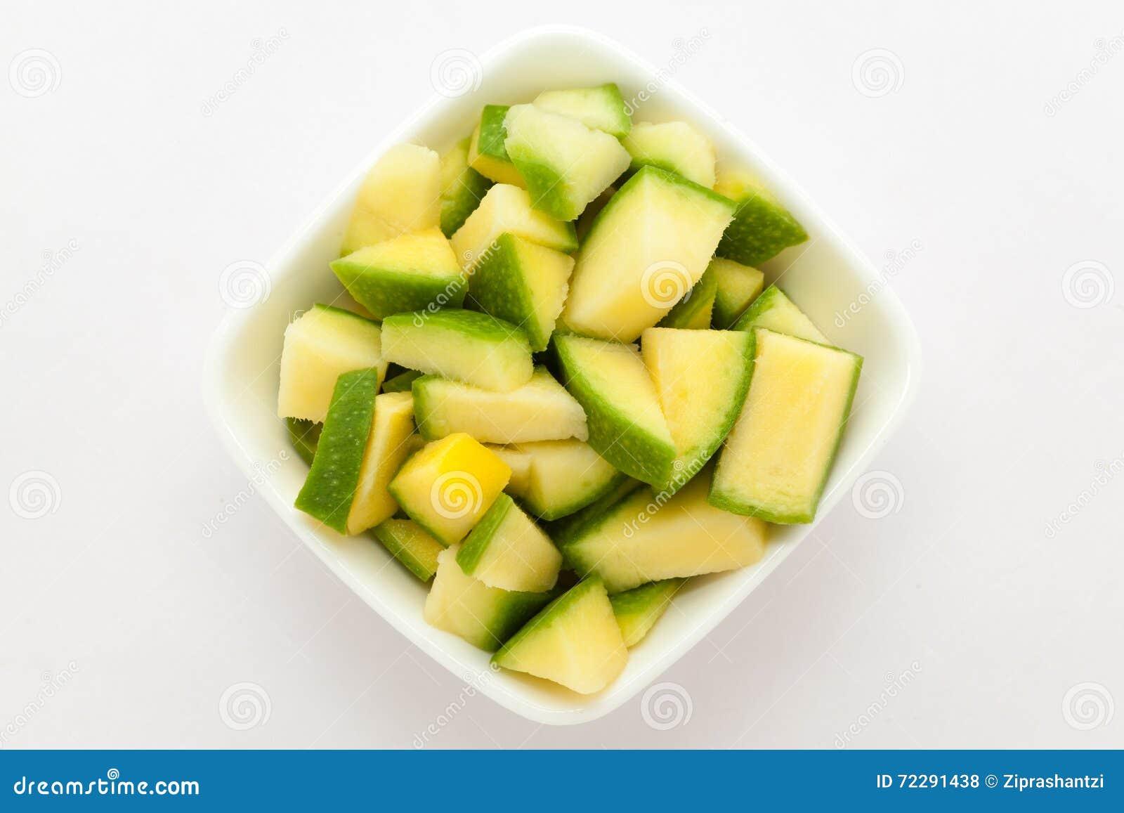Download Органическое отрезанное индийское манго (Mangifera Indica) Стоковое Фото - изображение насчитывающей зрело, кисло: 72291438
