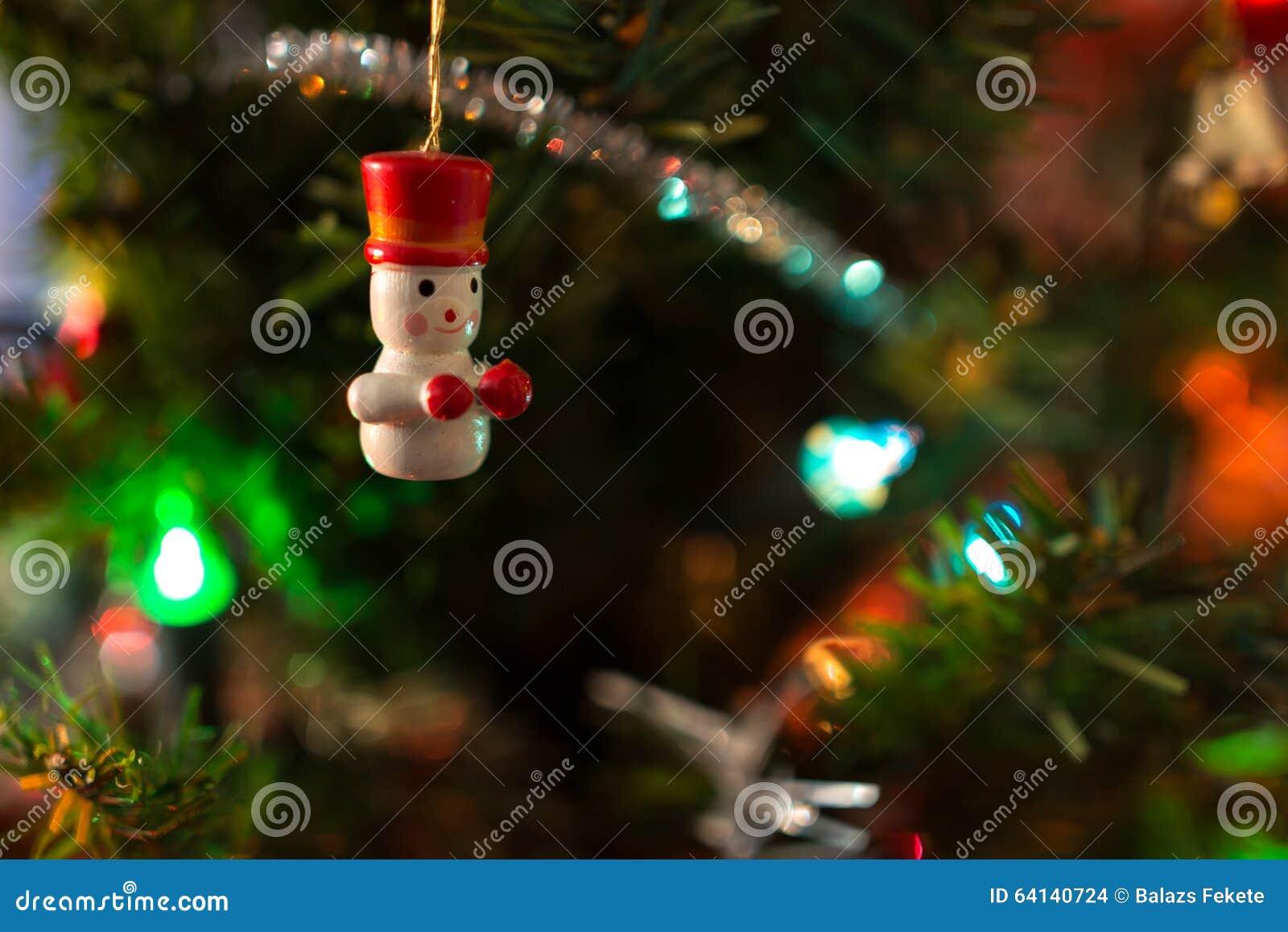 Орнаменты на рождественской елке