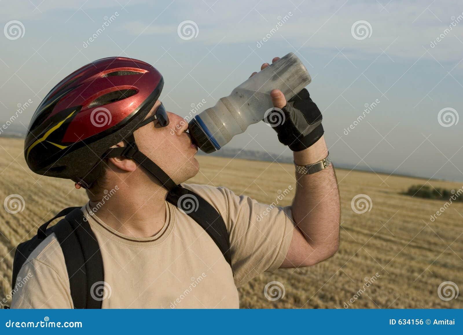 Download освежать стоковое фото. изображение насчитывающей вода - 634156